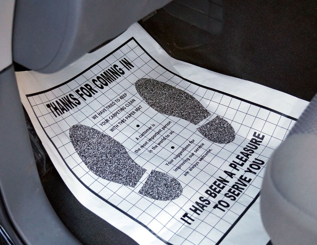 Paper Floor Mats With Quot Footprints Quot Professional Detailing